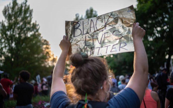 White BLM Activists Threaten Patrons